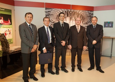 od leve: prof. dr. Milan Čerček, Simon Webster, dr. Boštjan Končar, dr. Tomaž Boh, dr. Ivan Skubic,
