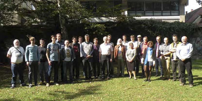 Skupinska slika strokovnjakov EU-IM v parku pred Fakulteto za strojništvo
